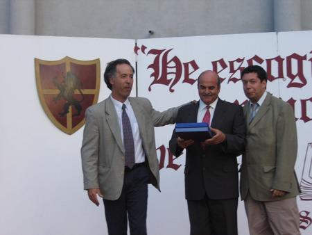 ENTREGA DE GALVANO 2005