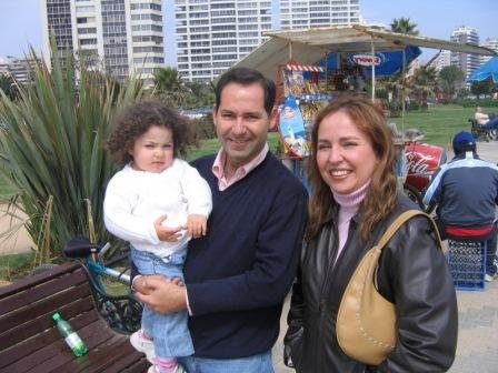 ANDRES  MARTINEZ Y FAMILIA